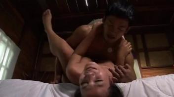 >หนังโป๊อาร์ไทยย้อนยุค คนลองของ (2012) อยากเจอดีเย็ดหีสาวป่าลึกลับจนได้เจอกับอาถรรพ์ชั่วร้ายเพราะตันหาความเงี่ยน Thai xxx อยากเย็ดของผู้ชายเลยพาซวย
