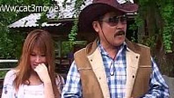 """>หนังโป๊เด็ดไทย20+ เรทอาร์เรื่องร้อนรักตะวันเดือด """"น้องแคตตี้"""" สาวไทยนมใหญ่หีอวบเป็นลูกเจ้าของฟาร์มม้า โดนหลอกเย็ดโดยเจมส์ พนักงานหนุ่มหล่อJizzแถมลีลาเย็ดเด็ดมาก"""