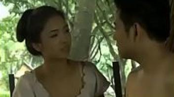 >[ล่องปิงหารัก โป๊18+] หนังเรทอาร์ไทย แนวเย็ดกันแบบพื้นบ้าน เสียงไทยครางเสียวของหีนางเอกบ้านนอกไทย งานดียั่วควยพระเอกไทยจนเกือบโดนเย็ดหีเต็มเรื่อง