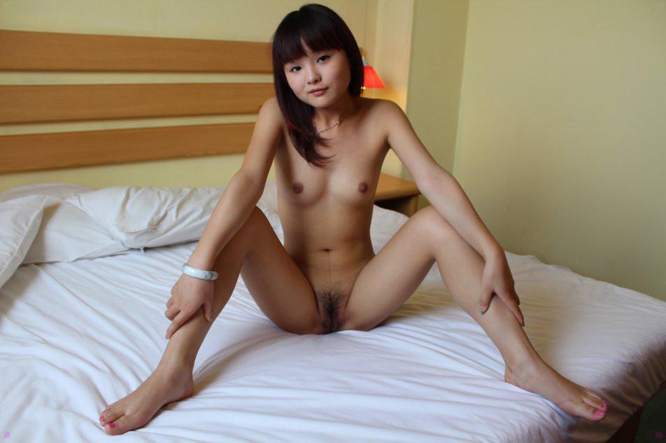 >นางแบบสาวสวยโชว์ของเด็ด หน้าจีน น่าเย็ดมาก